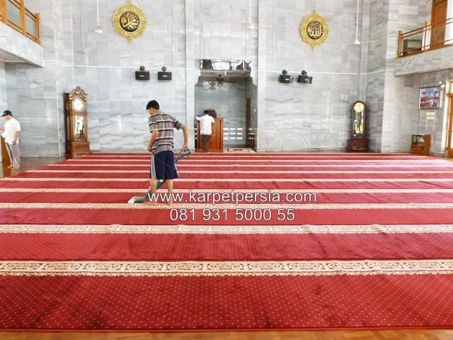 Karpet sajadah turkey tebal polos merah termurah Gorontalo