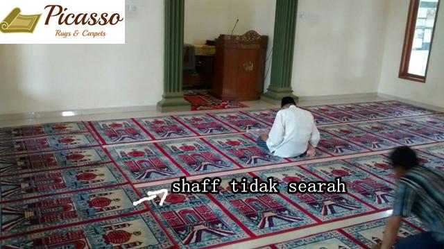 Kiblat Serong? Banyak Pilar dan Sudut Sulit? Tenang, Semua Masalah Pemasangan Karpet Masjid Mampu Kami Atasi Dengan Sangat Baik!