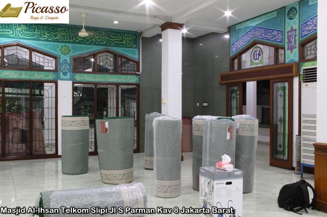Masjid Al-Ihsan Telkom Slipi Jl S Parman Kav 8 Jakarta Barat11