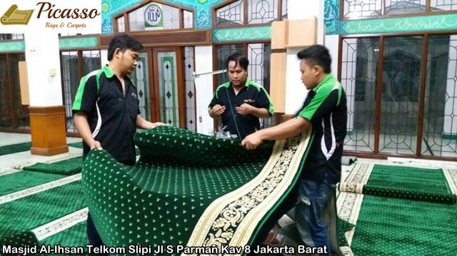 Masjid Al-Ihsan Telkom Slipi Jl S Parman Kav 8 Jakarta Barat13