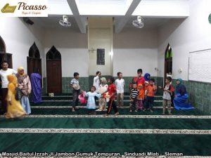 Masjid Baitul Izzah Jl Jambon Gumuk Tempuran,  Sinduadi Mlati -  Sleman3