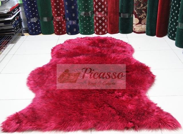 Karpet Bulu Acrilyc Merah