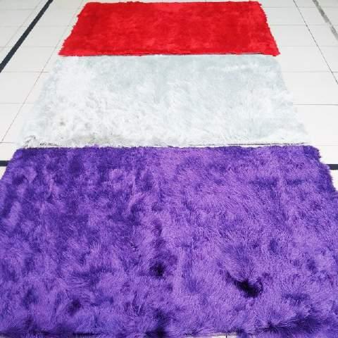 Cari Karpet Shaggy Si Bulu Jabrik? Tengok Koleksi Cantik Kami