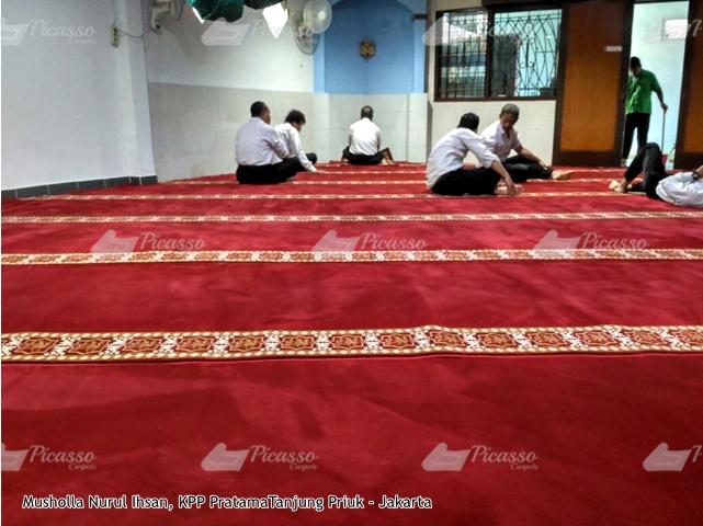 Karpet Masjid di Musholla Nurul Ihsan KPP Pratama Tj Priuk