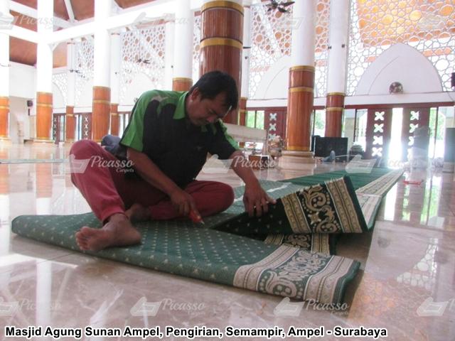 Karpet Masjid Agung Sunan Ampel Surabaya