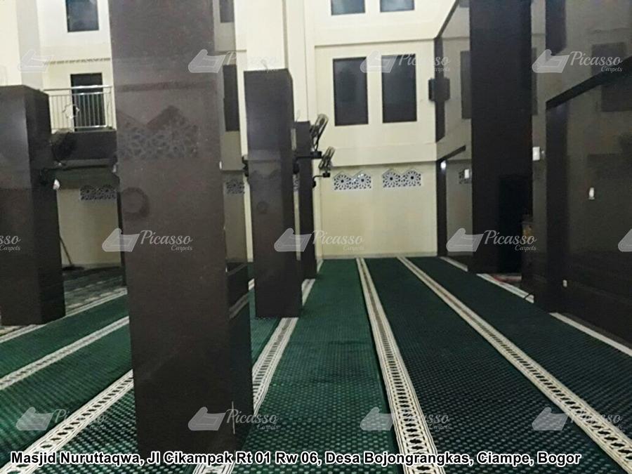 Karpet Masjid Nuruttaqwa Desa Bojongrangkas Ciampea Bogor