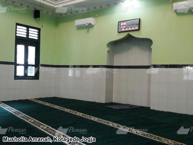 Karpet Masjid di Musholla Darul Ihsan Kantor Telkom Pugeran Jogja