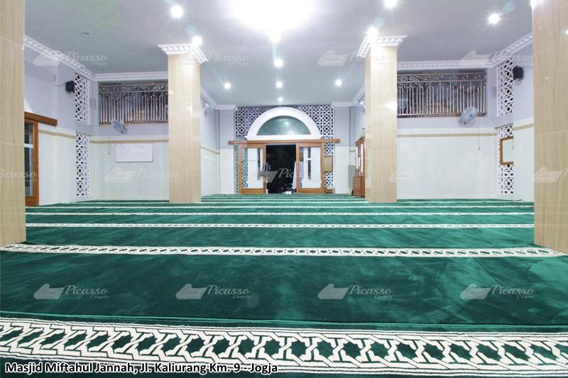 karpet masjid hijau, kaliurang, jogja