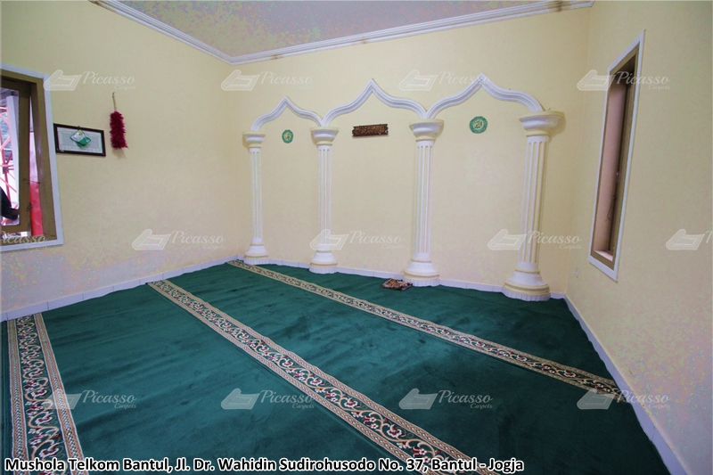Karpet Masjid di Musholla Telkom, Bantul, Jogja