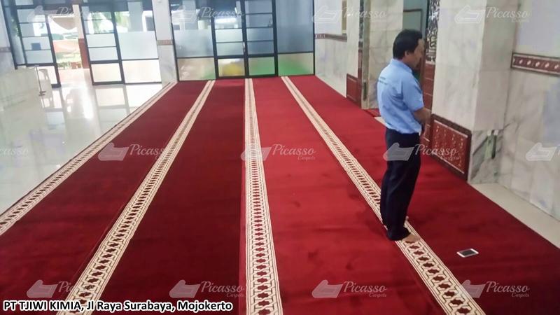 karpet masjid merah, mojokerto