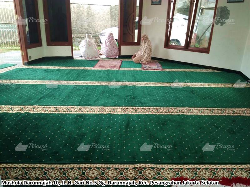 Karpet Masjid di Musholla Darunnajah, Pesanggrahan, Jaksel