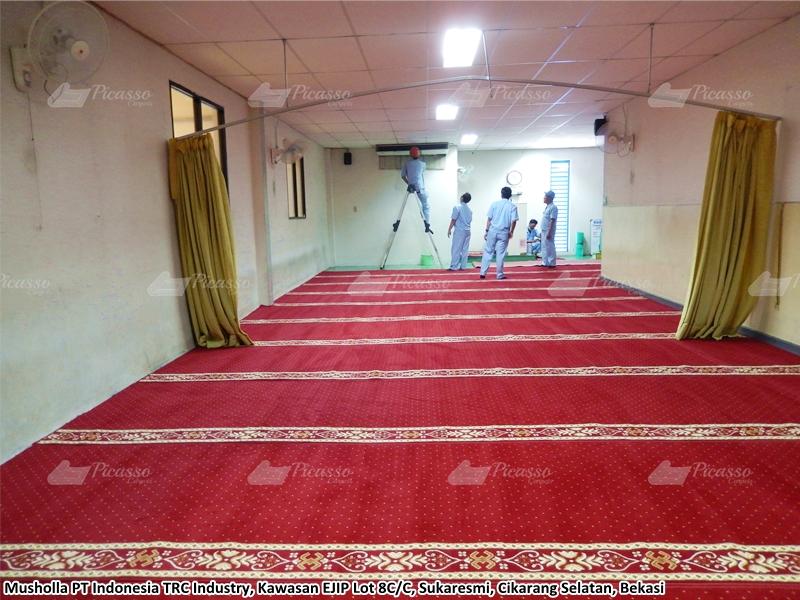 Karpet Masjid di Musholla PT Indonesia TRC Industri, Bekasi