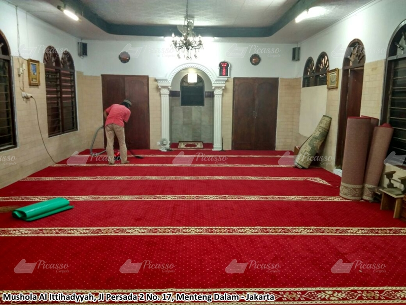 Karpet Masjid di Musholla Ittihadyah, Tebet, Jaksel