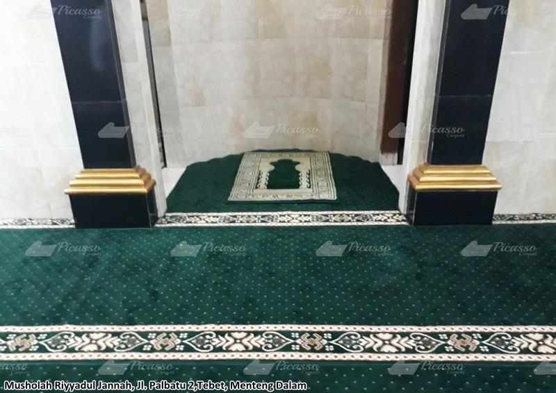 Karpet Masjid di Musholla Riyadul Jannah, Menteng, Jaksel