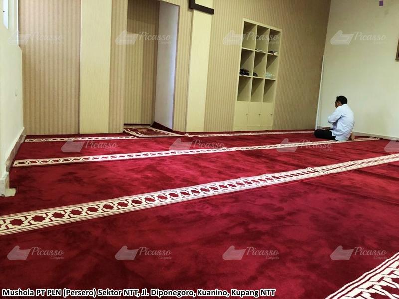 Karpet Masjid di Mushola PT. PLN Persero Sektor NTT, Kuanino, Kupang