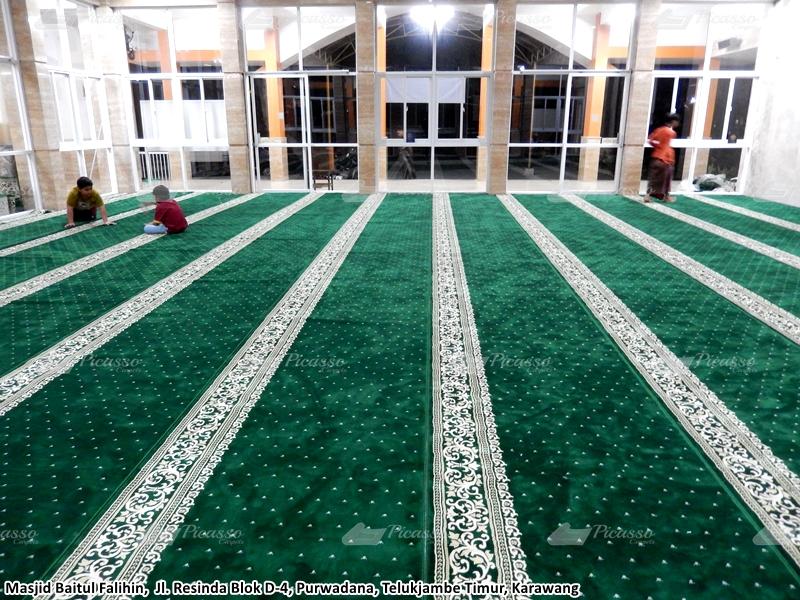 karpet masjid hijau, teluk jambe timur, karawang