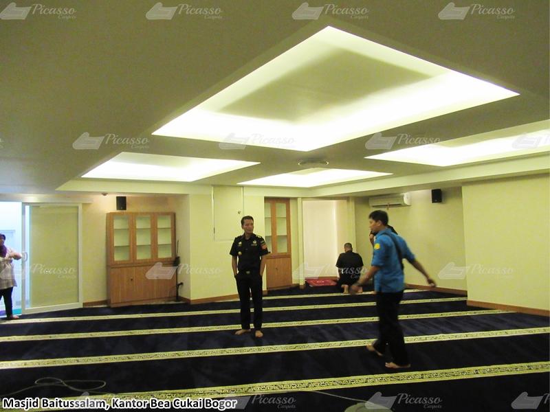 karpet masjid biru, kantor bea cukai bogor