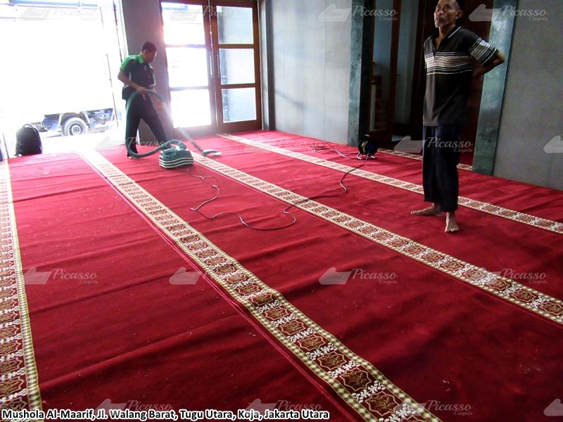 Karpet Masjid di Musholla Al Maarif, Koja, Jakarta Utara