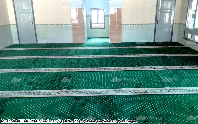 Karpet Masjid di Musholla Attarbiyah, Pekalongan