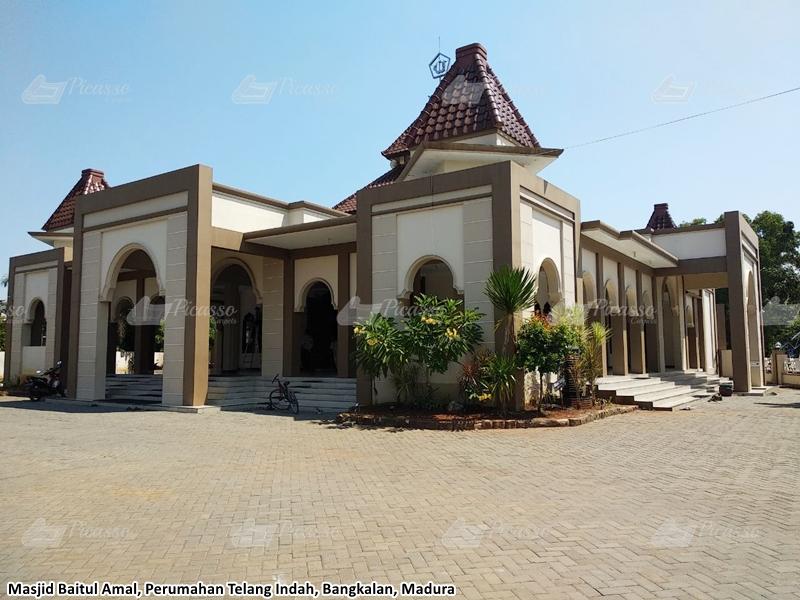 Masjid Baitul Amal, Perumahan Telang Indah, Bangkalan, Madura