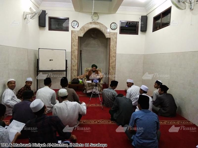 Karpet Masjid di TPA Madrasah Diniyah Al-Muchtar Surabaya