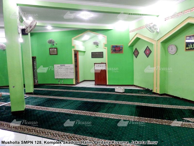 karpet masjid hijau
