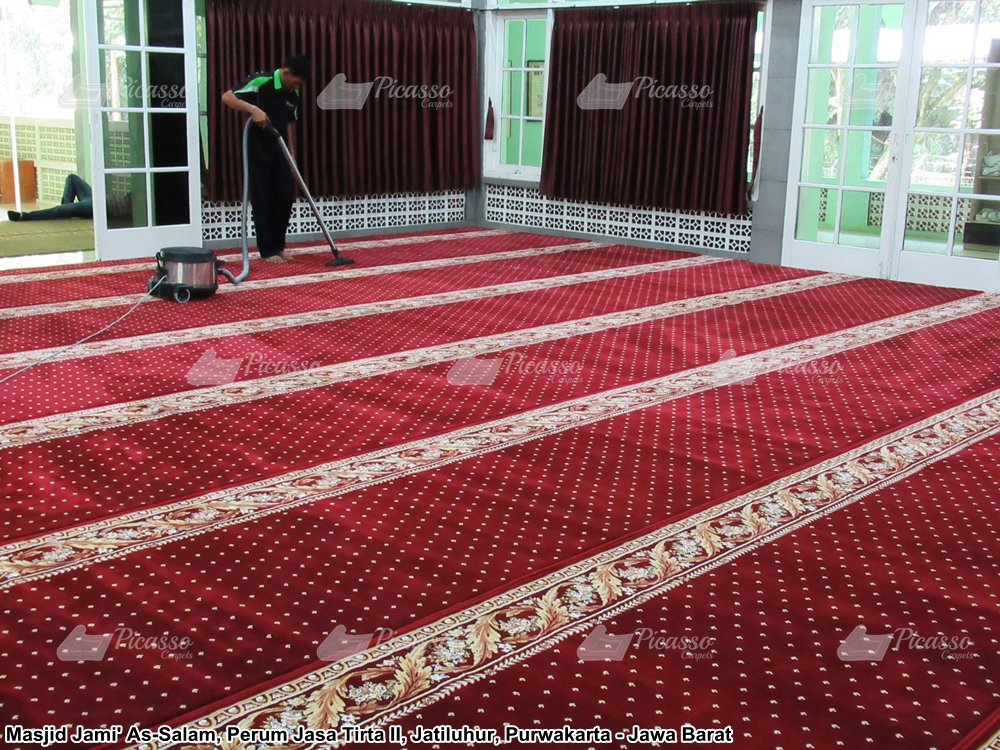 karper masjid merah
