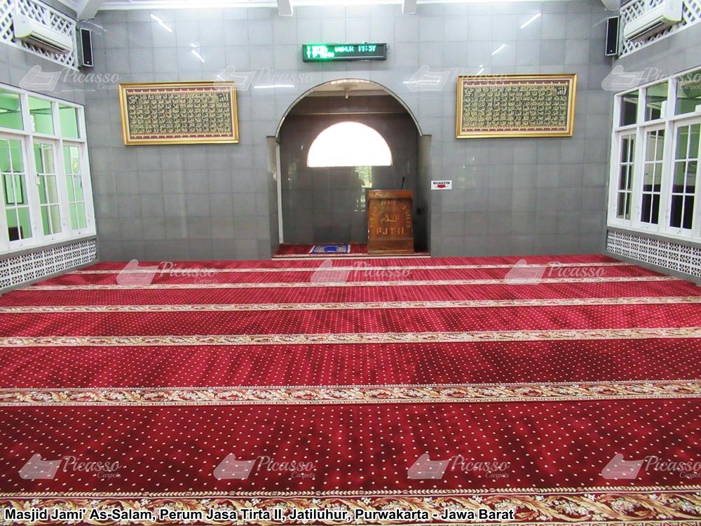 Karpet Masjid Jami As-Salam Perum Jasa Tirta II Purwakarta