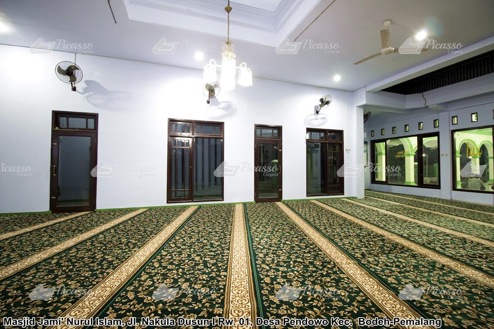 karpet masjid hijau motif bunga emas