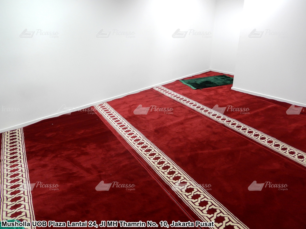Karpet Musholla Lantai 24 UOB Plaza, Jl Mh Thamrin No 10 Jakarta Pusat