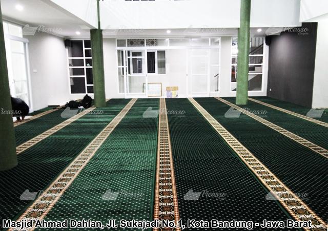 karpet masjid hijau bintik kuning minimalis