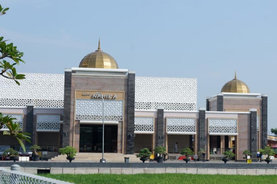 7 masjid terbesar di jatim masjid namira