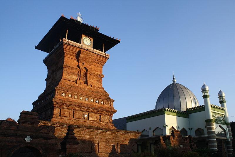 Masjid Tertua Di Indonesia Masjid Menara Kudus