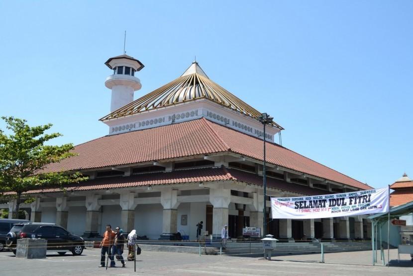 Masjid Tertua Di Indonesia masjid Ampel Surabaya