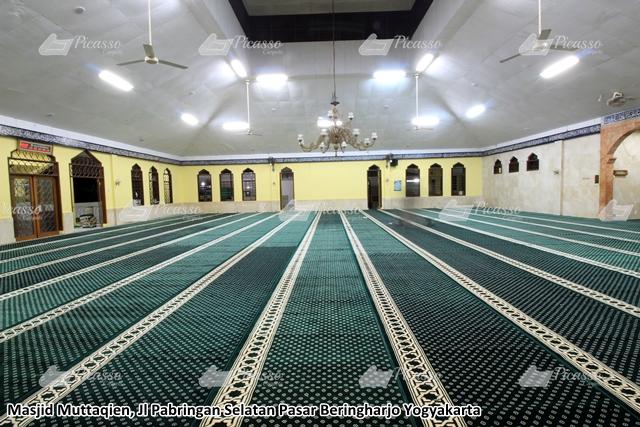 karpet masjid hijau bringharjo jogja