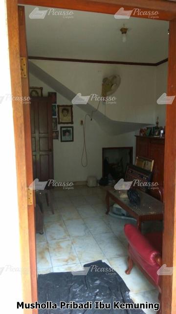 karpet sajadah musholla di rumah jakarta ibu kemuning (2)