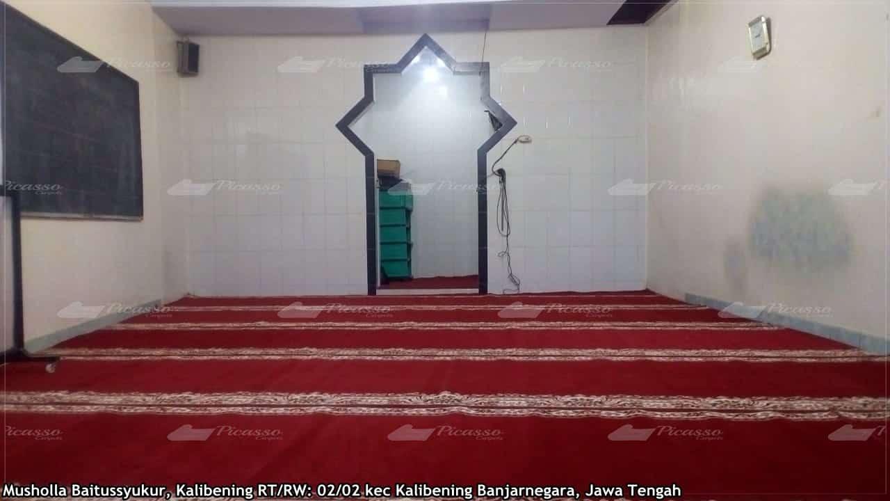 Karpet Masjid di Musholla Baitussyukur Kalibening Banjarnegara Jawa Tengah
